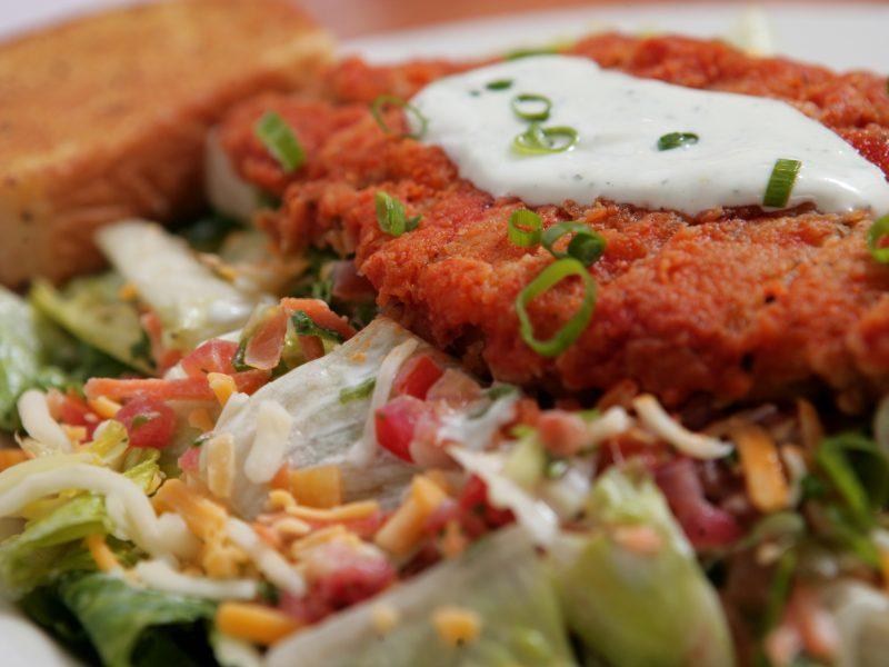 Buffalo checken salad